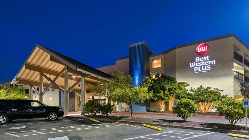 Best Western Plus Silverdale Beach Hotel Reserve Now Gallery Image Of This Property