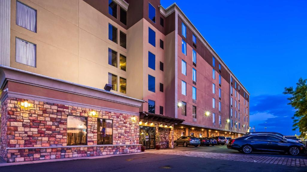 Best Western Plus Newark Airport West Reserve Now Gallery Image Of This Property