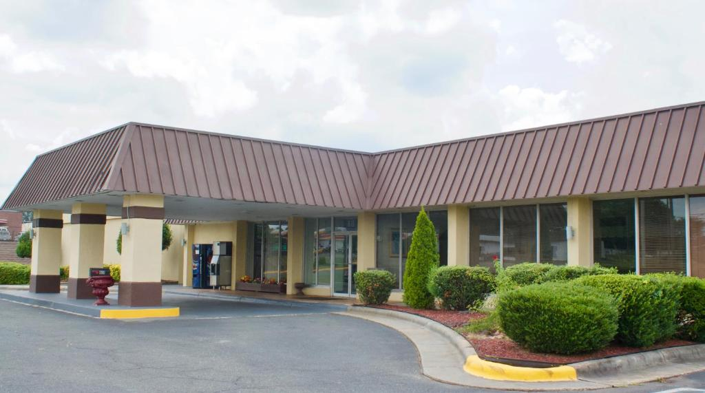 Relax Inn - Monroe, NC - Booking.com