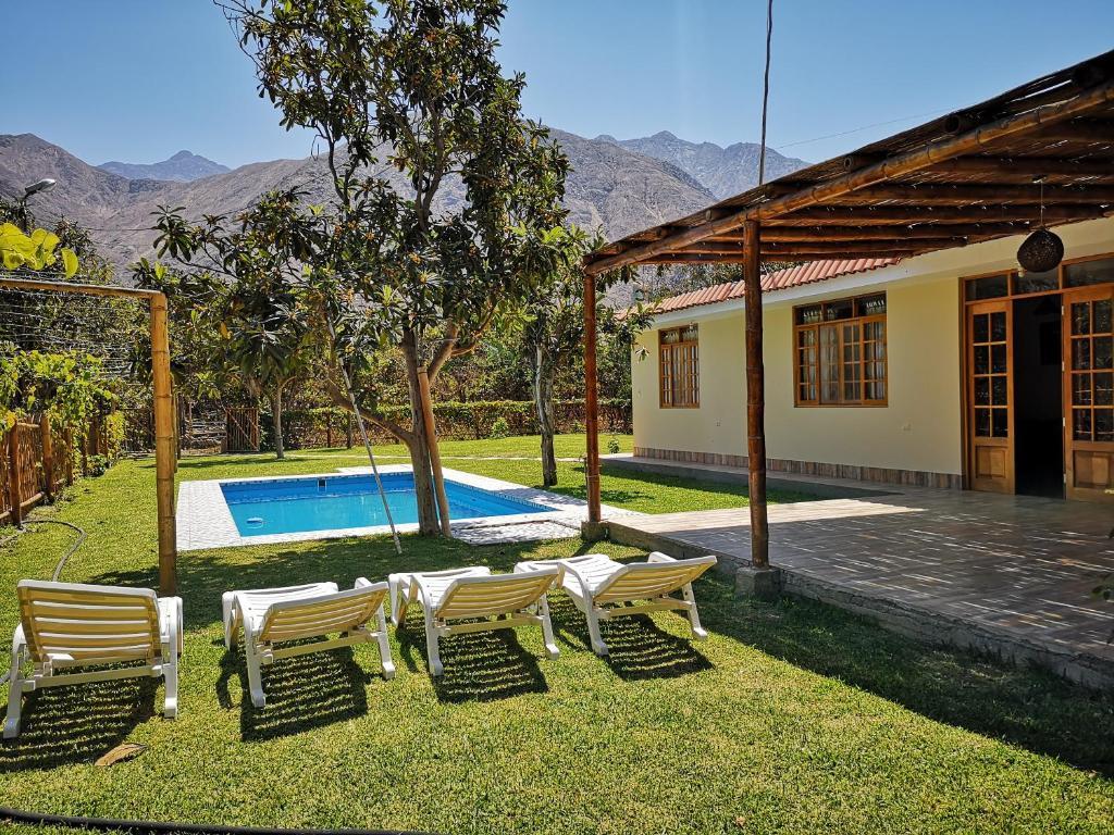 Casa de campo chinkay lunahuana lunahuan precios for Fotos casas de campo con piscina