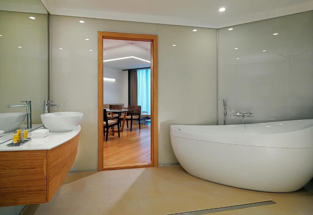 Ванная комната в Voronezh Marriott Hotel