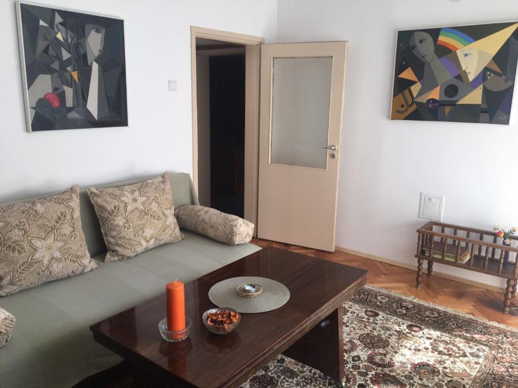 Апартамент Practico, cómodo y céntrico - Габрово
