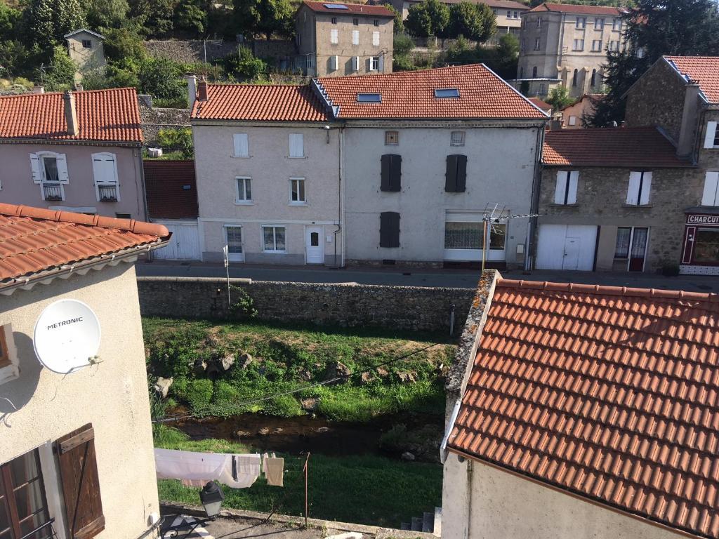 Apartments In Saint-agrève Rhône-alps
