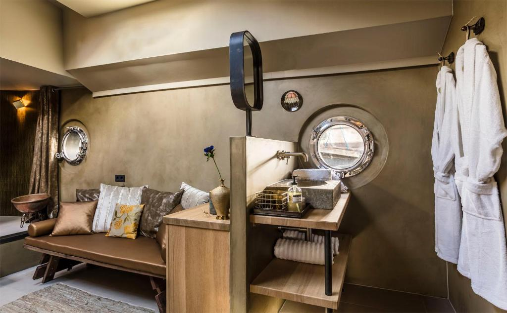 Luxury Wellness Suite Boat Boost Amsterdam Netherlands Booking Com