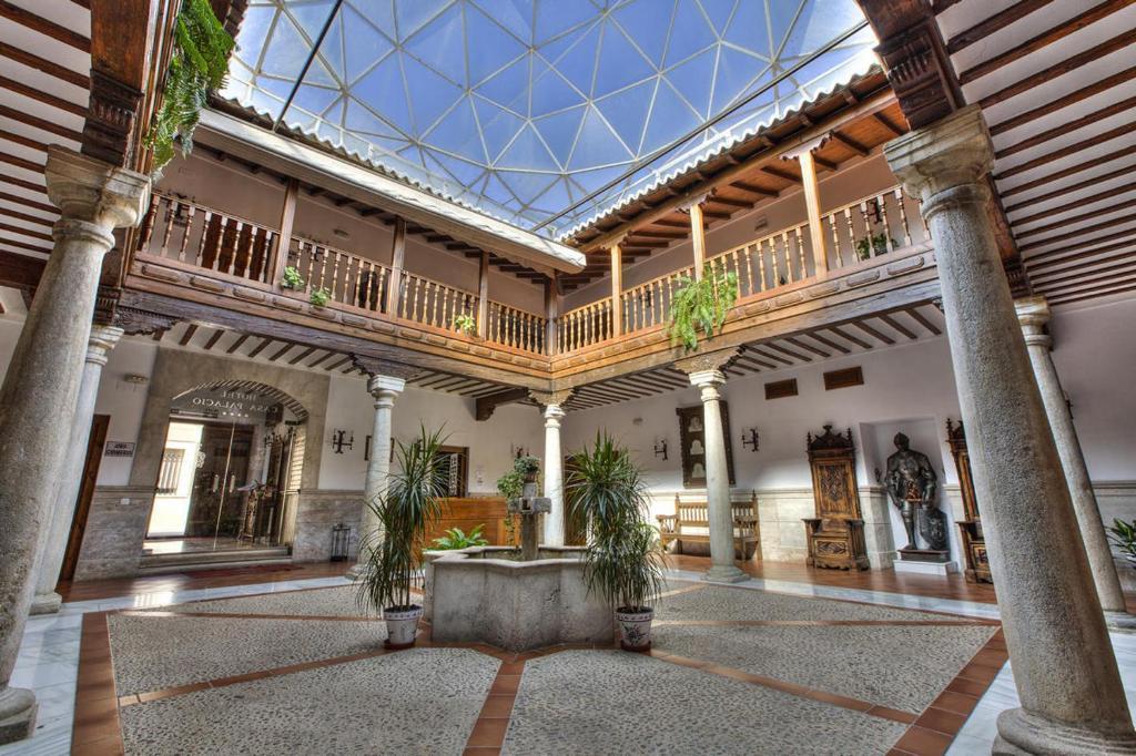 Hotel casa palacio santa cruz de mudela spain - Casa santa cruz ...