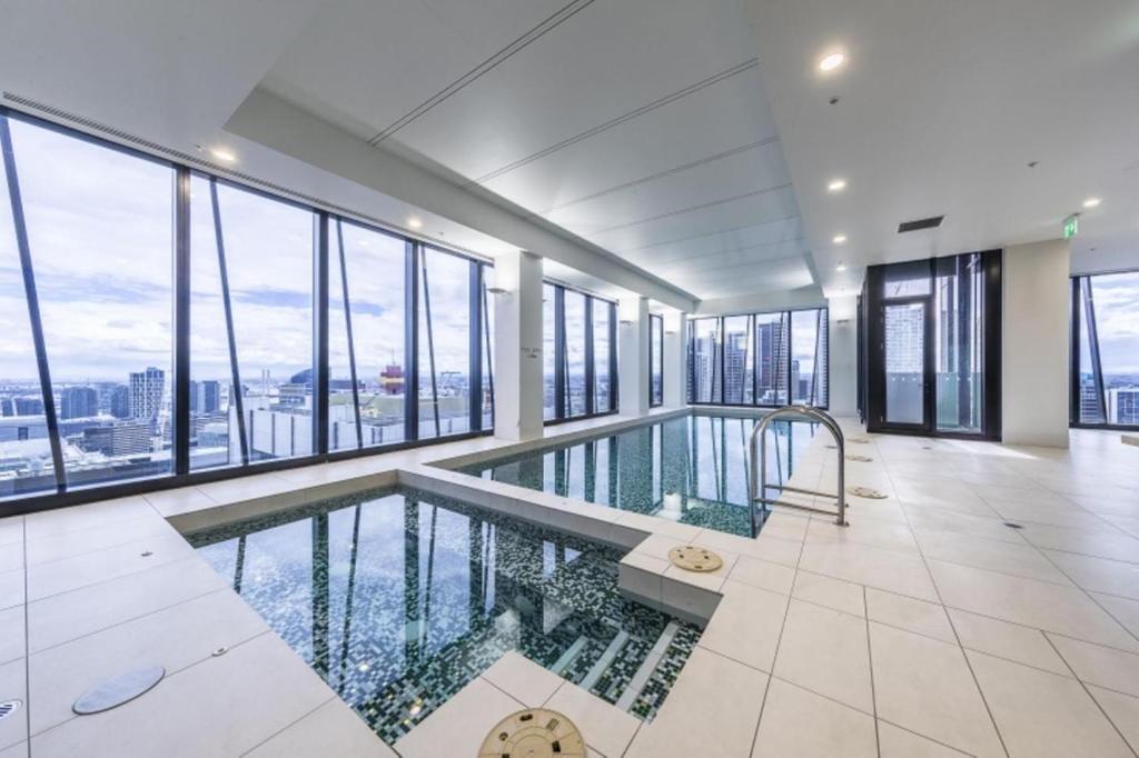 Sky City Serviced Apartment Melbourne Australia Booking Com