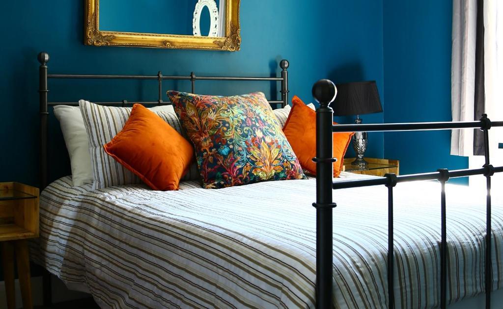 Naughty teens bedroom relaxation