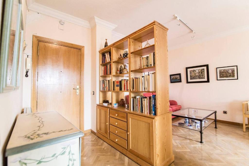 Lovely apartment near Casa de Campo & Madrid Rio, Madrid ...