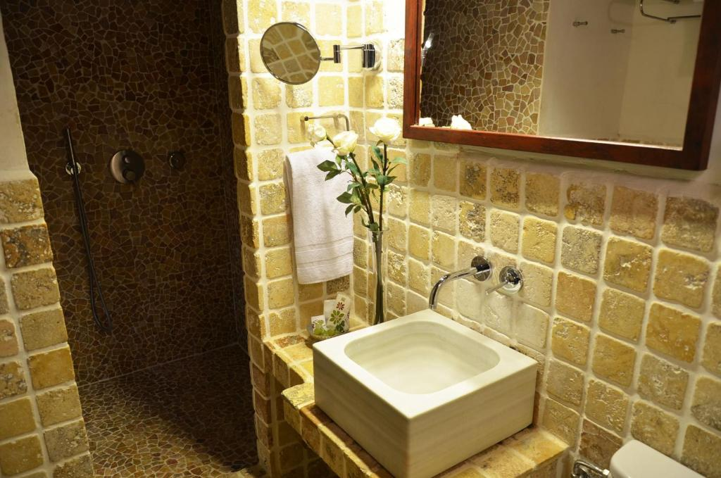 boutique hotels in girona  274