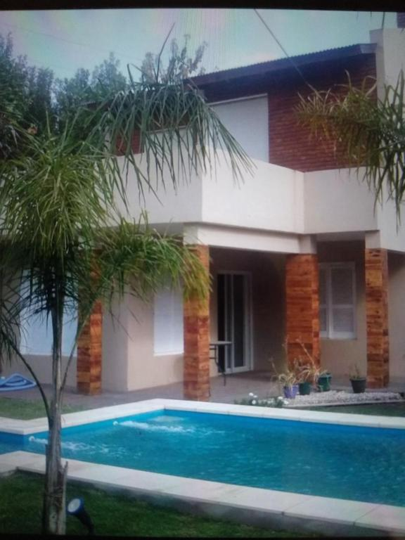 The swimming pool at or near Espacio amplio Relax