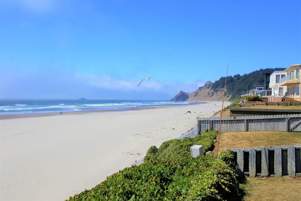 Pacifica Cottage Lincoln City Or Booking Com