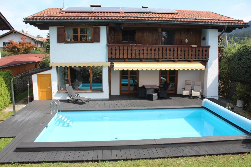 Ferienwohnung Haus am Pool - Wohlfühloase (Deutschland Ohlstadt ...