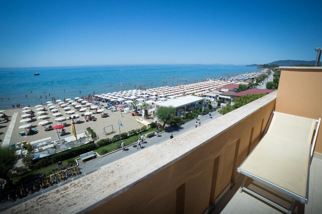 Bagno Balena Castiglione Della Pescaia Prezzi : Hotel miramare castiglione della pescaia u prezzi aggiornati per