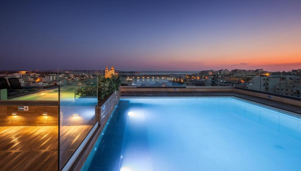 The swimming pool at or close to Solana Hotel & Spa