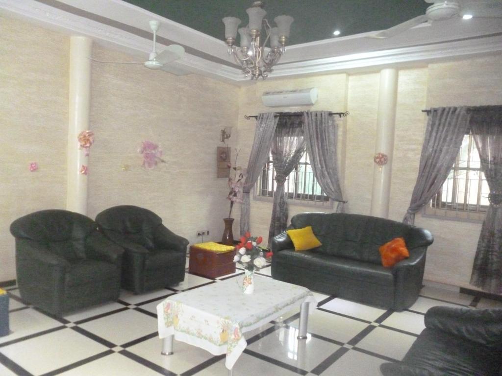 """Ein Sitzbereich in der Unterkunft Residence """"Aurore"""" Belle et Calme"""