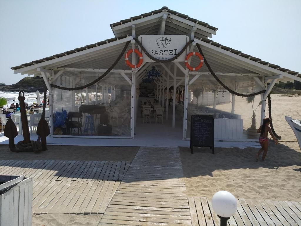 Апартамент Oasis Beach Club Studio - Лозенец
