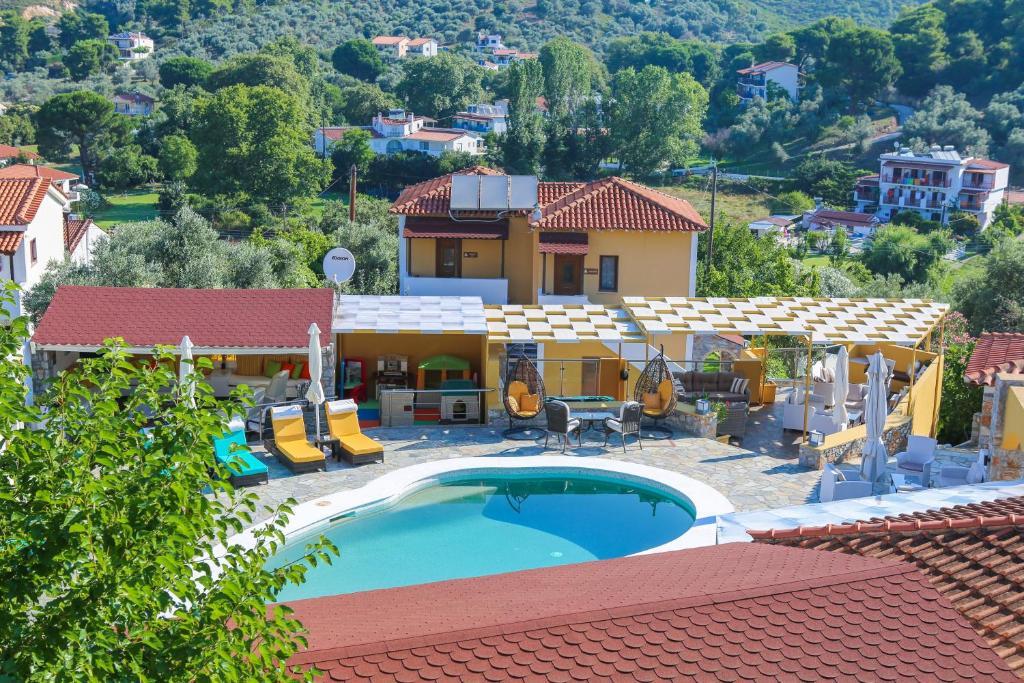 Piscina di Skiathos Island Suites o nelle vicinanze
