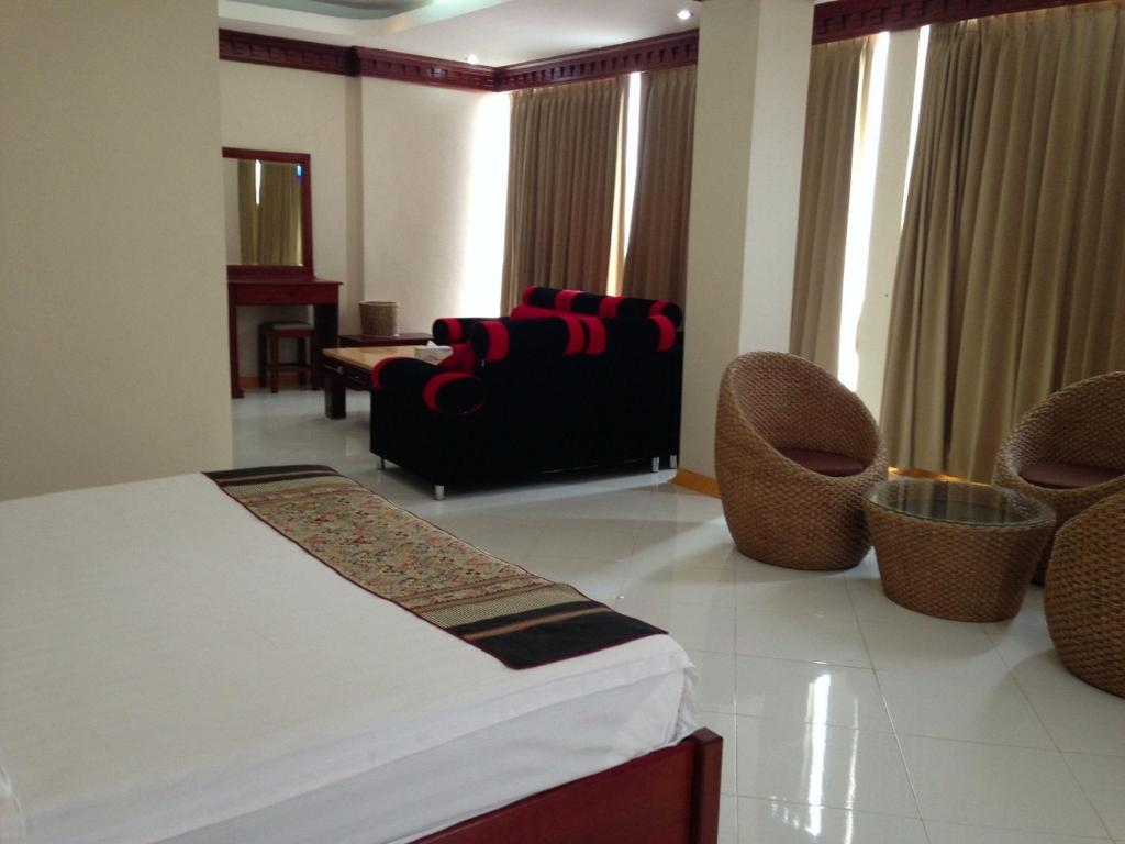 A seating area at Nonnevong Hotel