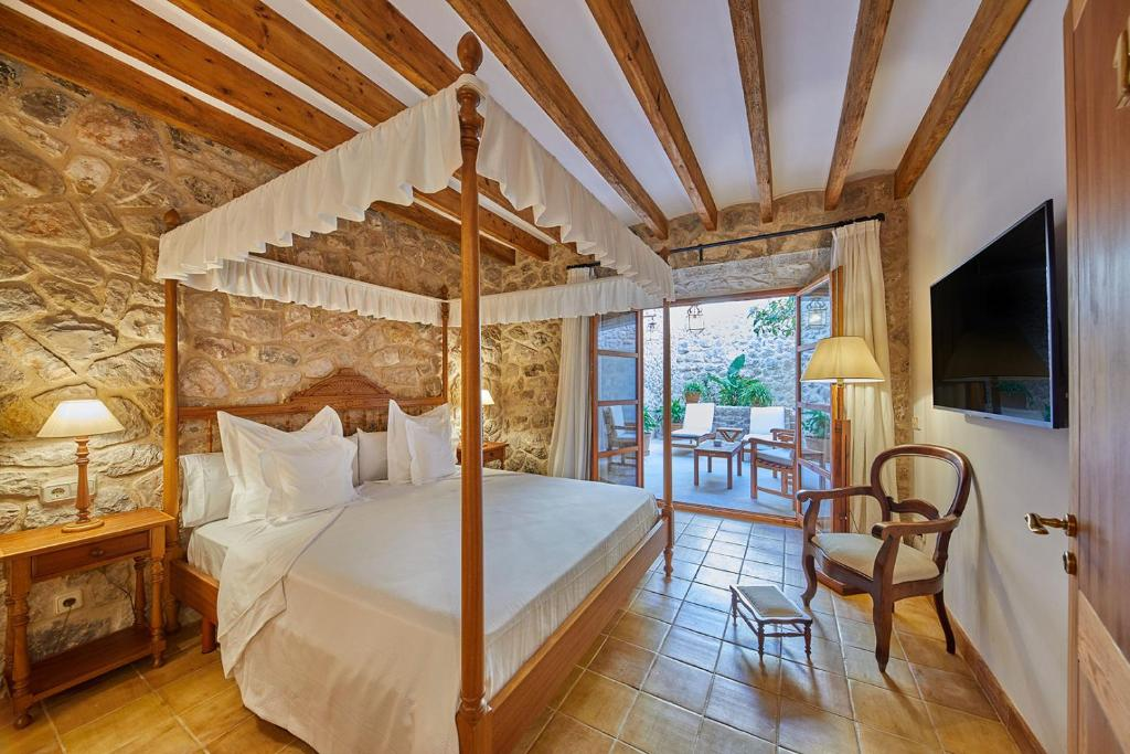 hotels with  charm in lloseta  12