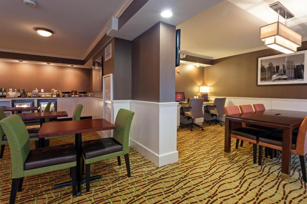Hotel Chicago Marriott Midway Bedford Park Il Booking Com