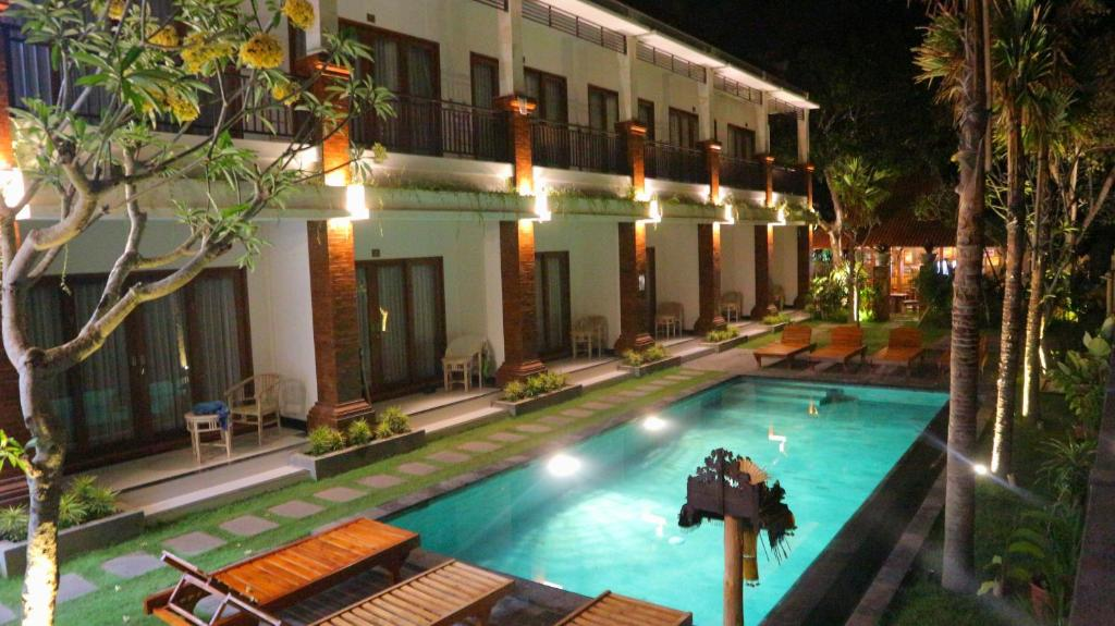 The swimming pool at or near Seno Guesthouse & Cafe