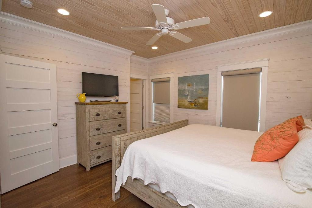 Crystal Paradise Romar Cottages, Gulf Shores, AL - Booking com