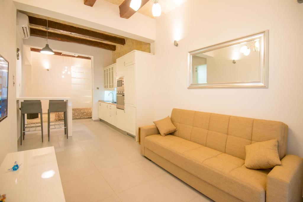 Boutique Valletta Air-Conditioned Apartment for 4 (Malta Valletta ...