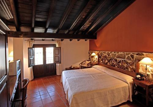 boutique hotels in mogarraz  14