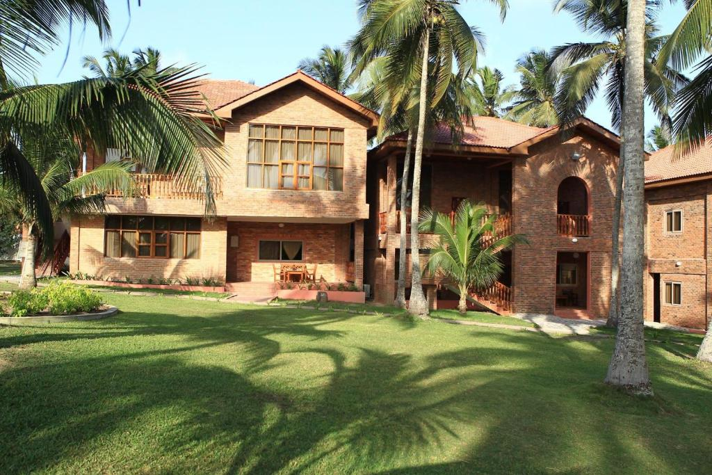 Coconut Grove Beach Resort Reserve Now Gallery Image Of This Property