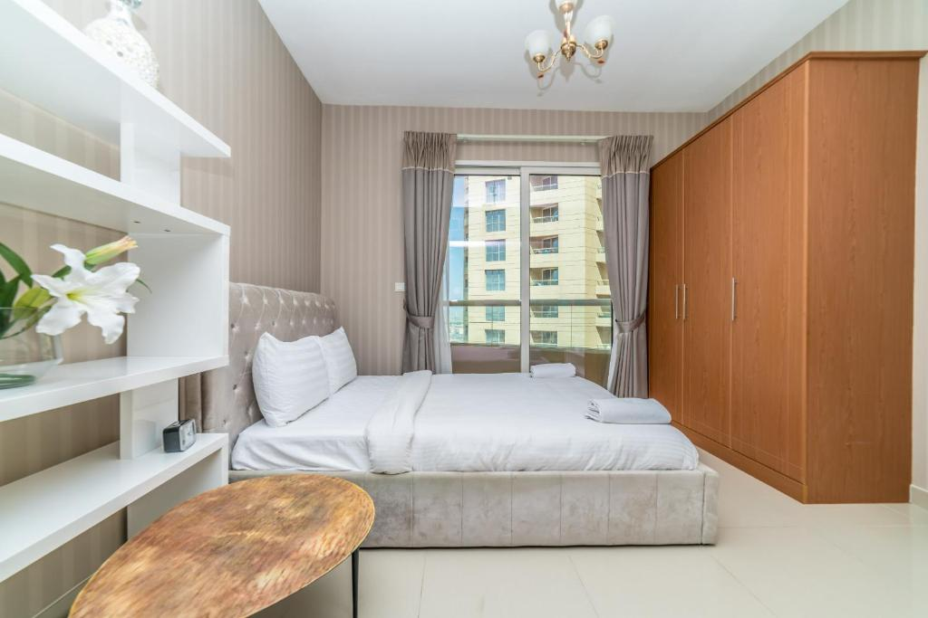 Hometown Apartments Posh Self Catering Studio Apartment Dubai