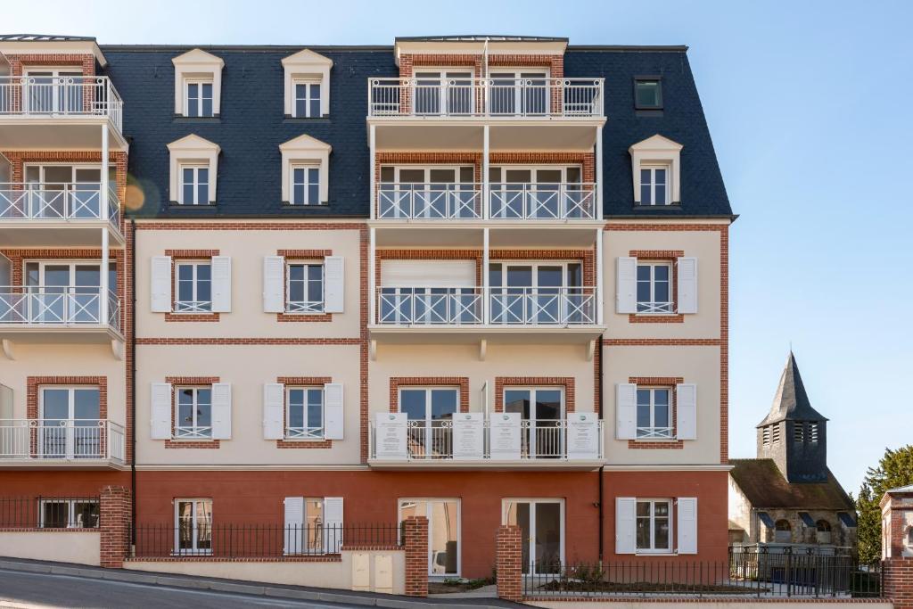villa m dicis trouville trouville sur mer tarifs 2019. Black Bedroom Furniture Sets. Home Design Ideas
