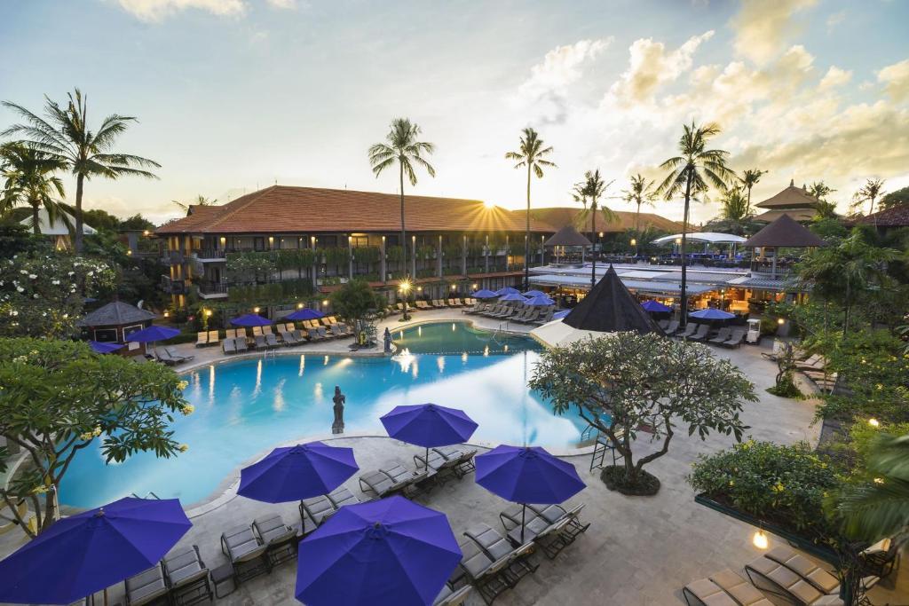 Výhled na bazén z ubytování Bali Dynasty Resort nebo okolí