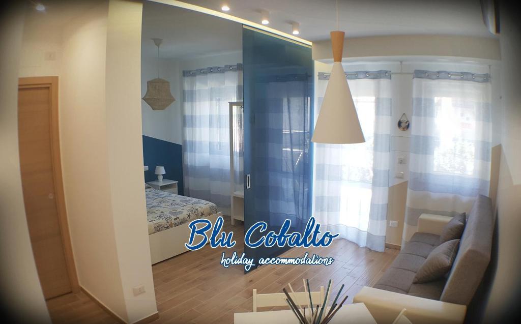 Camera Da Letto Blu Cobalto : Blu cobalto fondachello u prezzi aggiornati per il