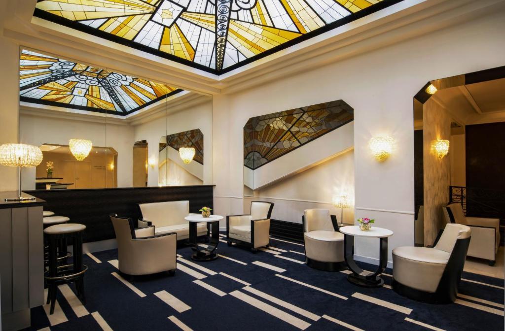 Hotel Mercure Opera Faubourg Montmartre Paris France Booking Com