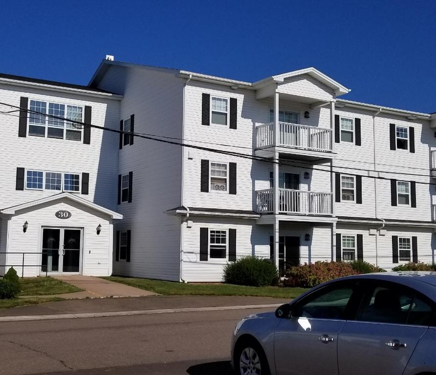 Summer Place Apartments: Summerside Jewel, Summerside