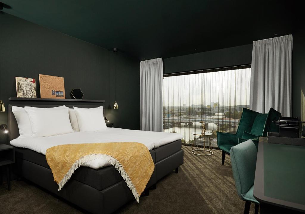 hoteles baratos recomendados en amsterdam