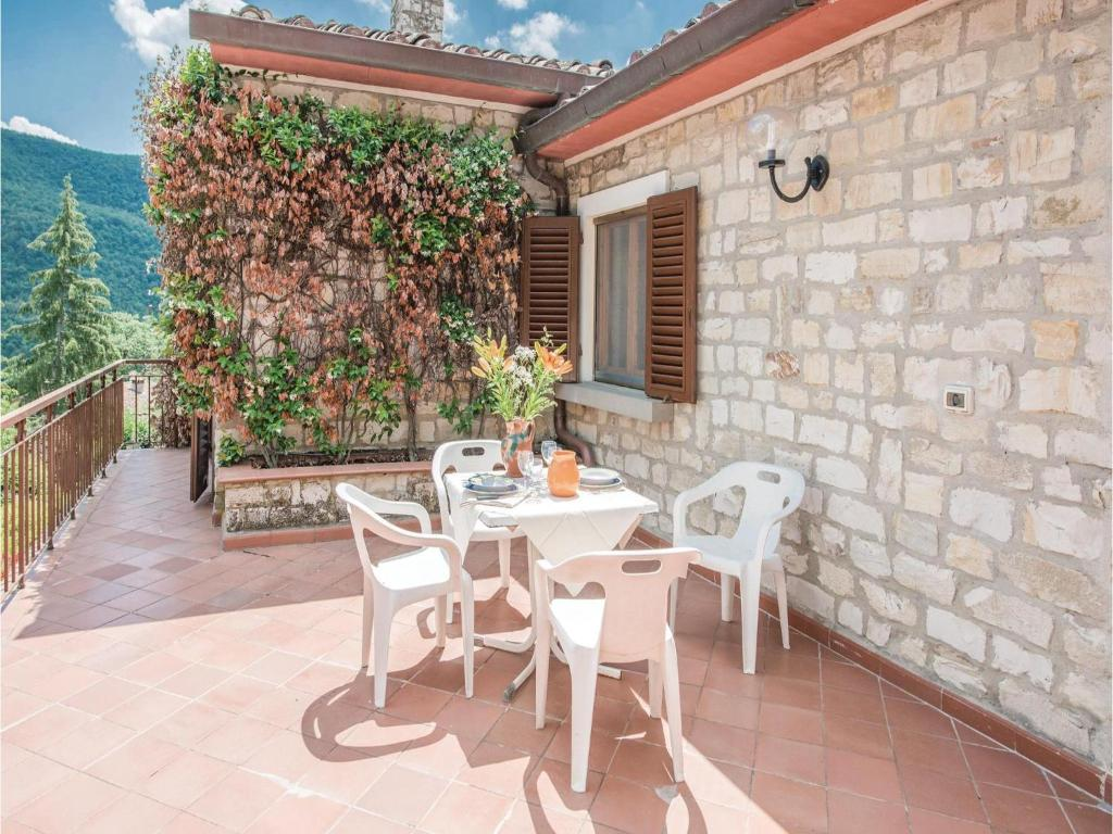 Six bedroom holiday home with a fireplace in borgo san - Borgo san lorenzo piscina ...