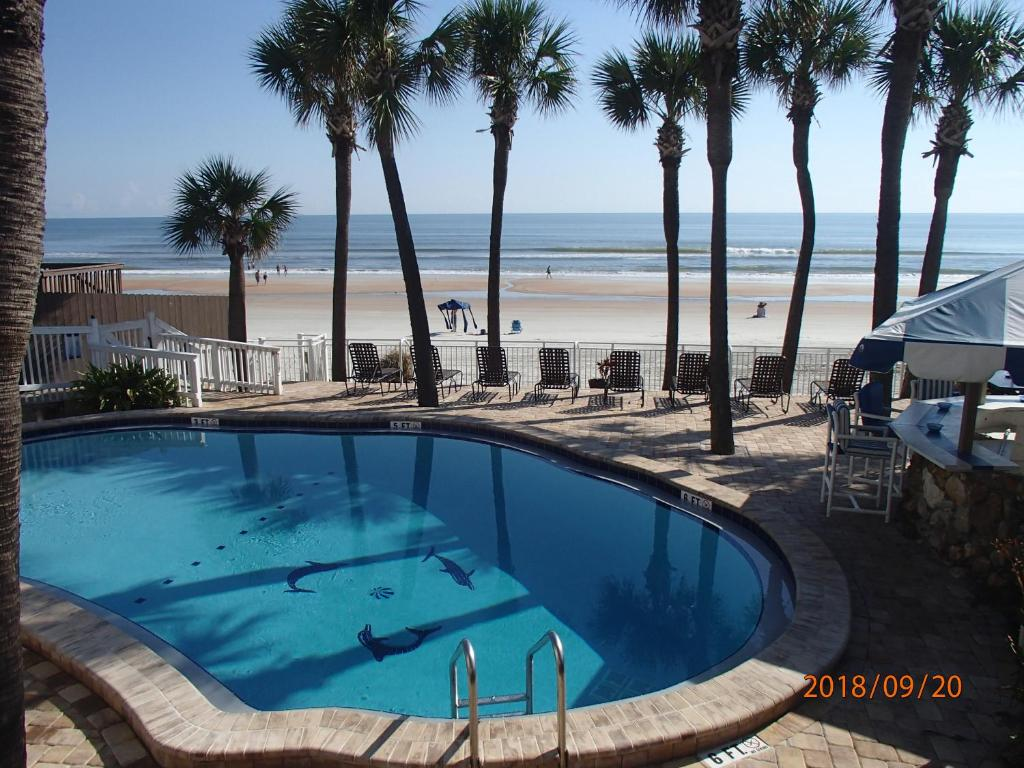 Flamingo Inn Beachfront Daytona Beach Reserve Now Gallery Image Of This Property