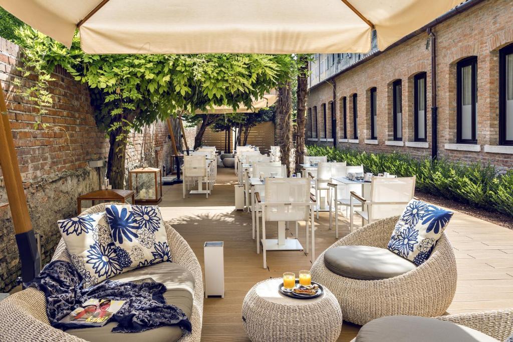 Coin salon dans l'établissement Venice Times Hotel