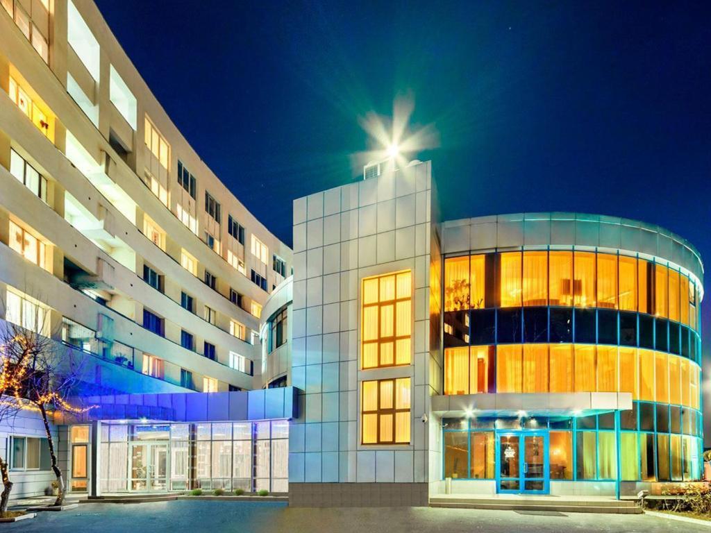 Hotels in Kiev, or Google to Kiev will finish