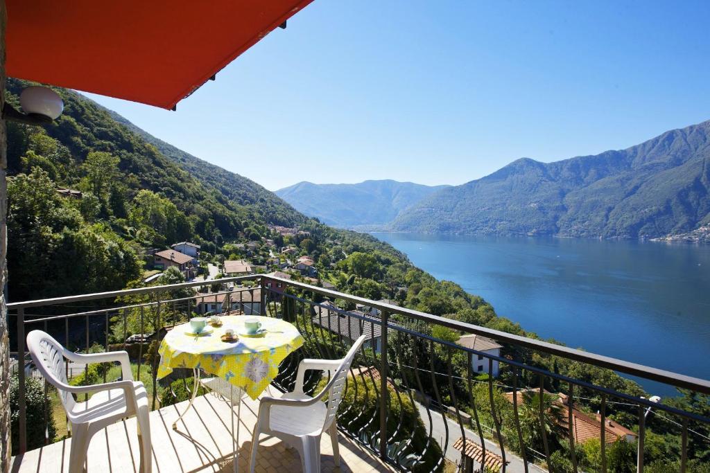 A balcony or terrace at Casa La Costa