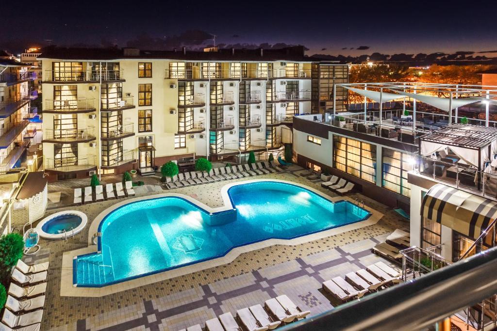 Вид на бассейн в Отель Понтос или окрестностях