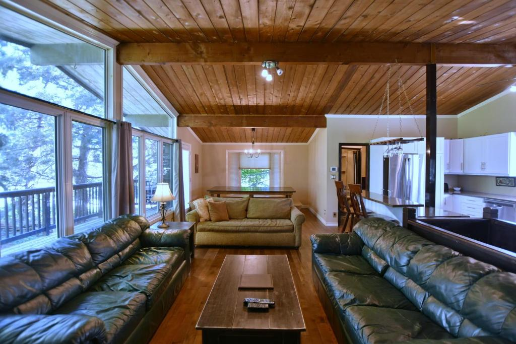 3 bedroom chalet blue mountains canada booking com rh booking com blue mountain cottages canada blue mountain cottages new zealand