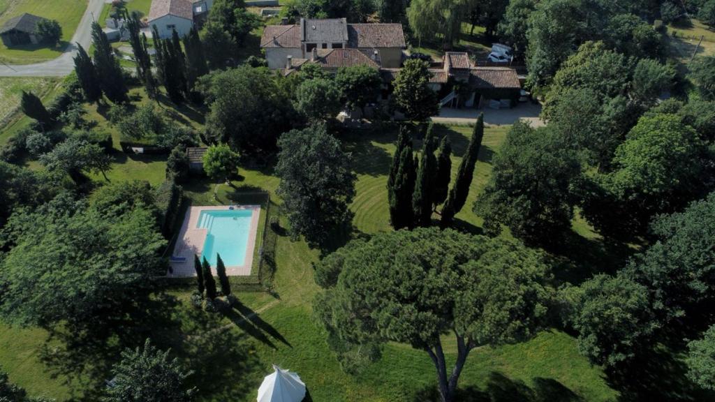 Άποψη από ψηλά του Villa Toscane - Atelier d'Artistes et B&B à 15mn de la rocade de Toulouse