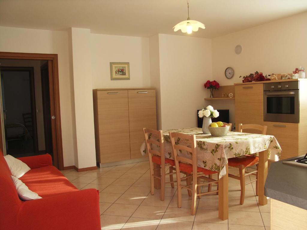Soggiorno Linda Apartment, Castello Tesino, Italy - Booking.com