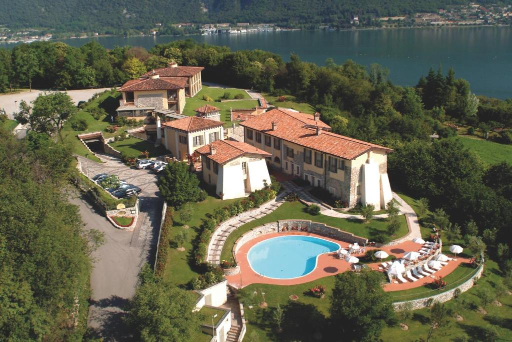 Vista aerea di Romantik Hotel Relais Mirabella Iseo