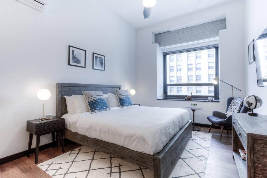 Apartment King Suite With A Clean Kitchen Detroit Mi Booking Com