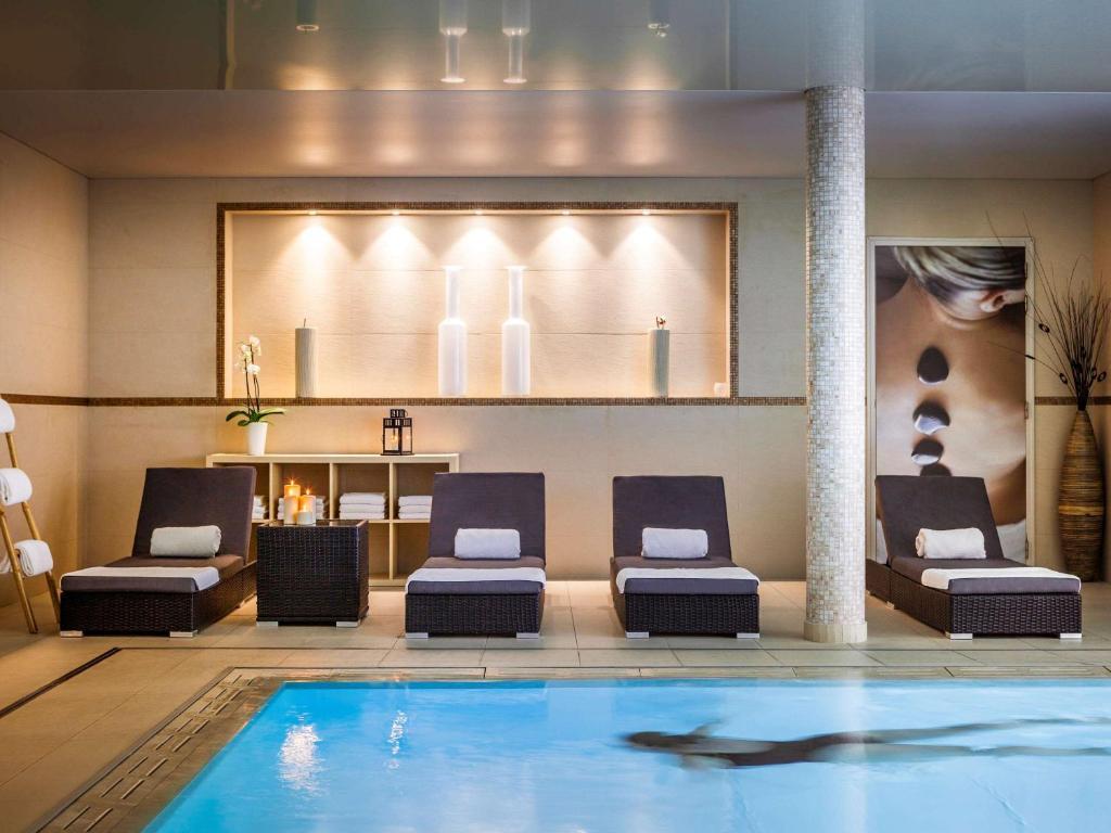 novotel spa rennes centre gare rennes tarifs 2019. Black Bedroom Furniture Sets. Home Design Ideas