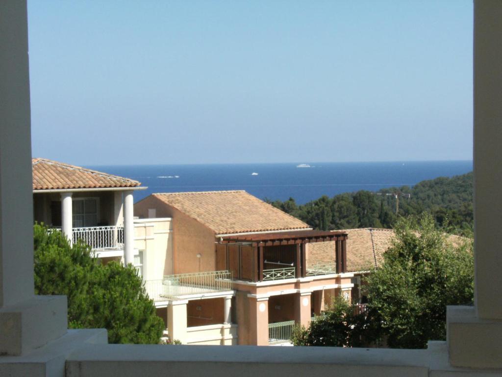 Apartment Cap Estérel Vacances - studio mer G2 terrasse couverte ...