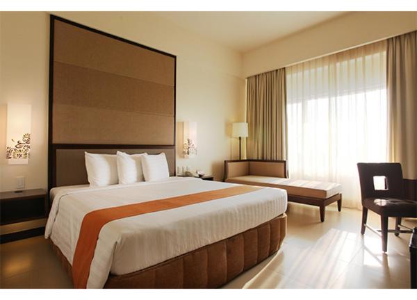 タール ビスタ ホテル(Taal Vista Hotel)